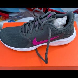 Women's Nike Flex Experience Shoes BRAND NEW US 6